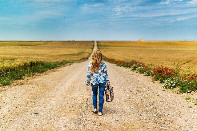 Menschen kommen und gehen / Jose Antonio Alba from Pixabay